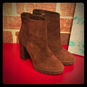 Arturo Chiang Brown Leather Ankle Boots size 5.5